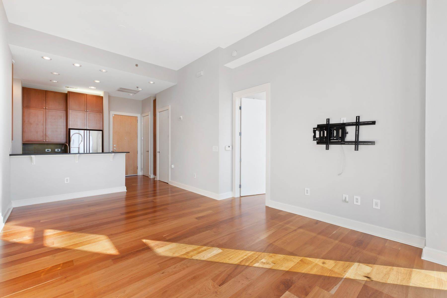 4. Condominiums for Sale at Rare Paramount Penthouse 618 N Boylan Avenue, Unit 1020 Raleigh, North Carolina 27603 United States
