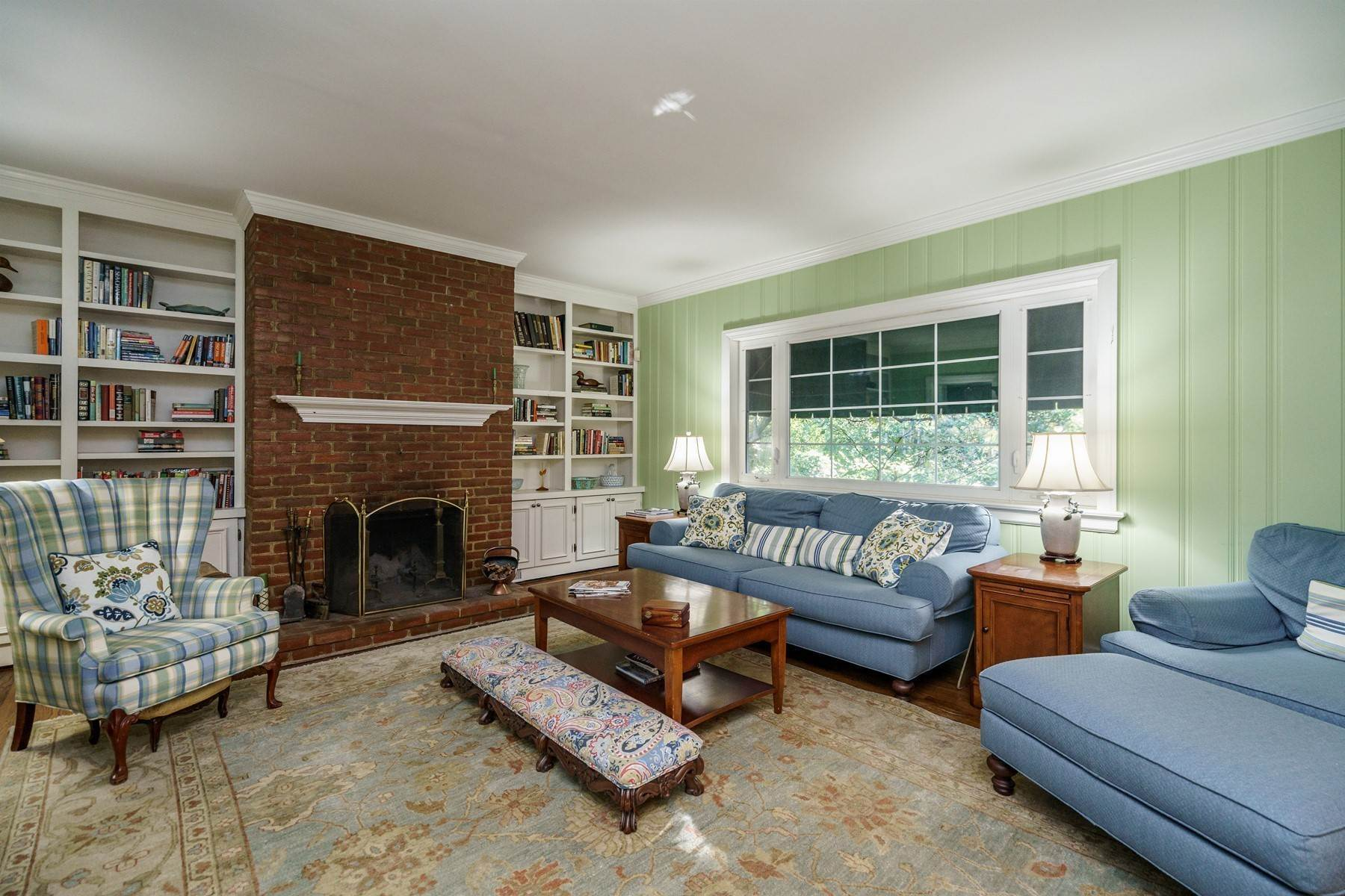 10. Single Family Homes for Sale at Storybook Inside-the-Beltline 2213 St Mary's St Raleigh, North Carolina 27608 United States