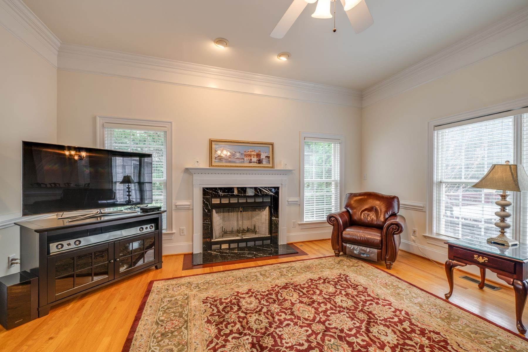 18. Single Family Homes for Sale at 106 Michelin Place Cary, North Carolina 27511 United States