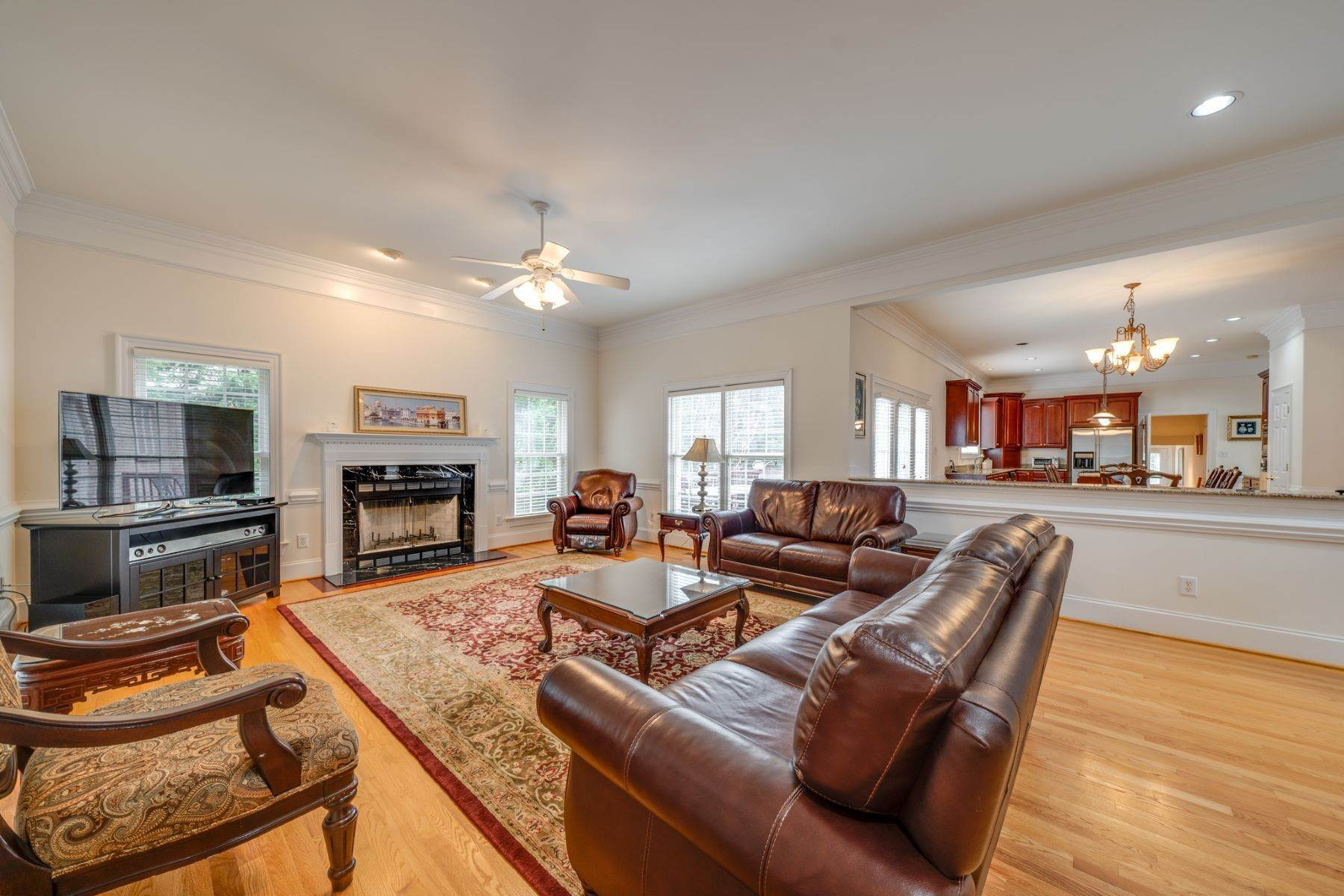 19. Single Family Homes for Sale at 106 Michelin Place Cary, North Carolina 27511 United States