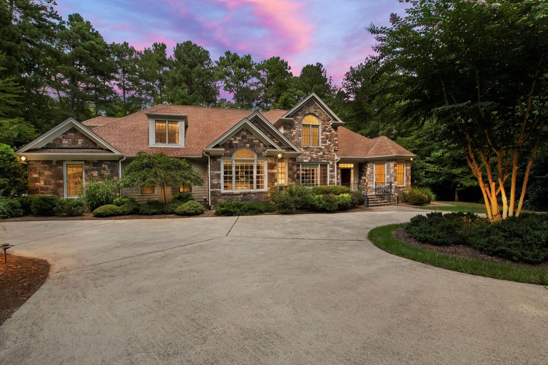 Single Family Homes for Sale at Transitional 2+Acre Move-In Ready Home 2704 Forest Creek Road Chapel Hill, North Carolina 27514 United States