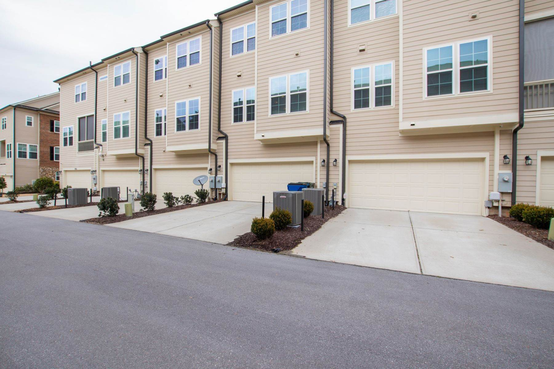 21. townhouses for Sale at 822 Bankston Woods Way Raleigh, North Carolina 27609 United States