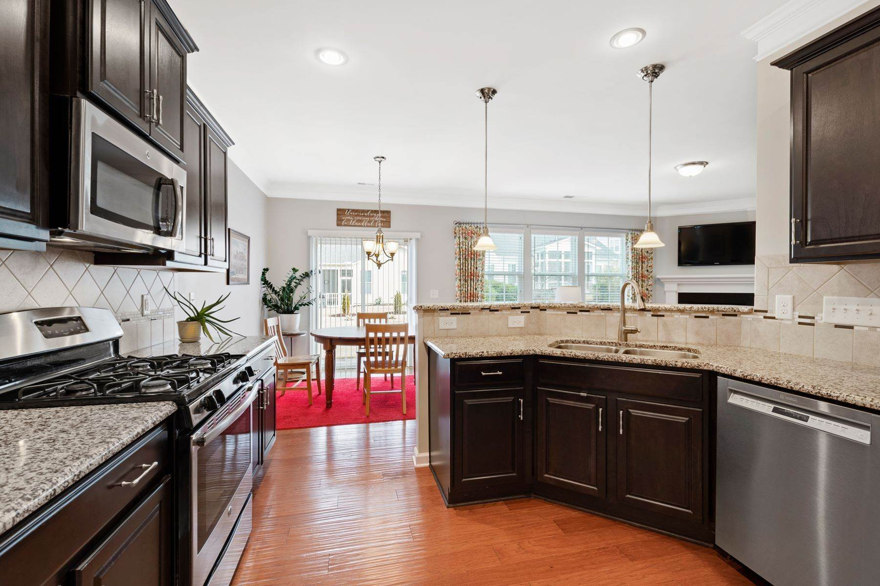 11. Single Family Homes for Sale at 1013 Traditions Meadow Drive Wake Forest, North Carolina 27587 United States