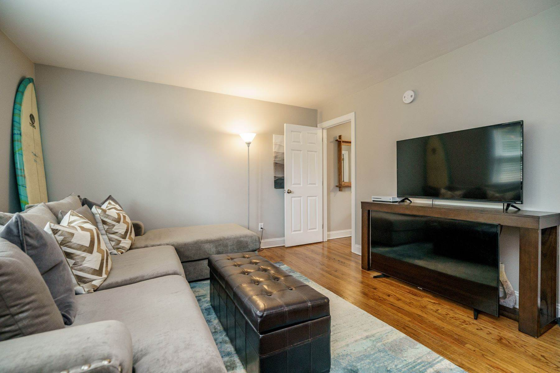 4. Condominiums for Sale at 979 St. Mary's St Unit A Raleigh, North Carolina 27605 United States