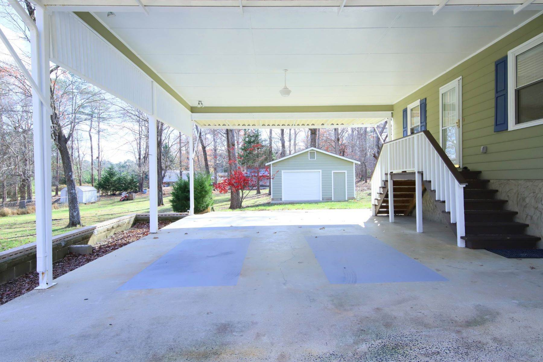 29. Single Family Homes for Sale at 3819 Zero Road Durham, North Carolina 27705 United States