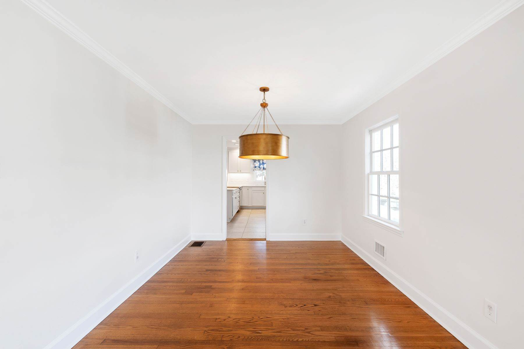 10. Single Family Homes for Sale at Wonderfully Remodeled Ranch in Villa Park 2027 Reaves Drive Raleigh, North Carolina 27608 United States