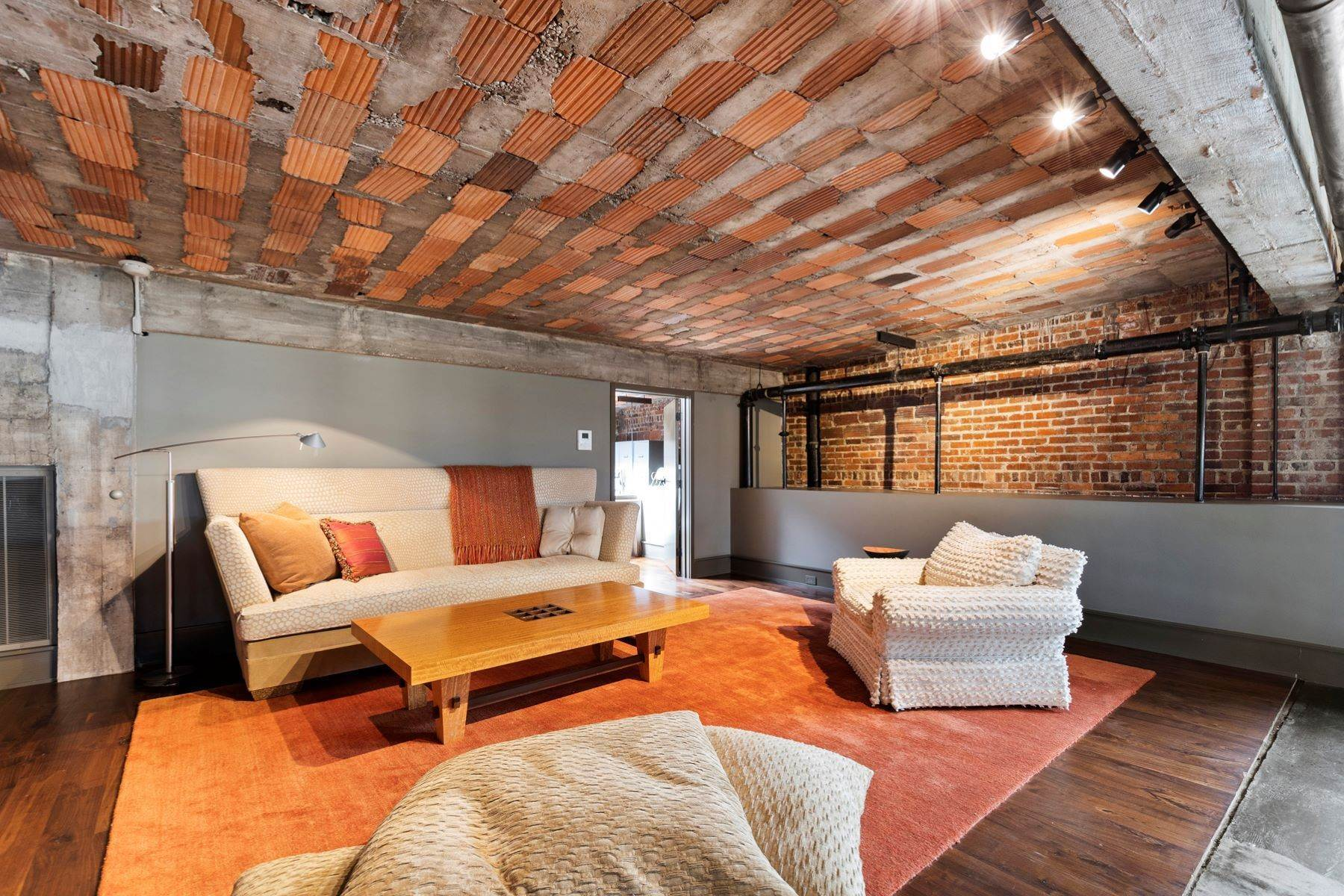 45. Condominiums for Sale at One of a Kind Penthouse in Downtown Durham 300 E. Main Street Durham, North Carolina 27701 United States
