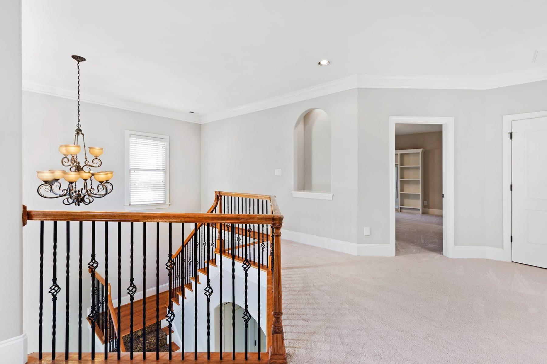 26. Single Family Homes for Sale at Fabulous Move-In Ready in North Raleigh 5730 Belmont Valley Court Raleigh, North Carolina 27612 United States