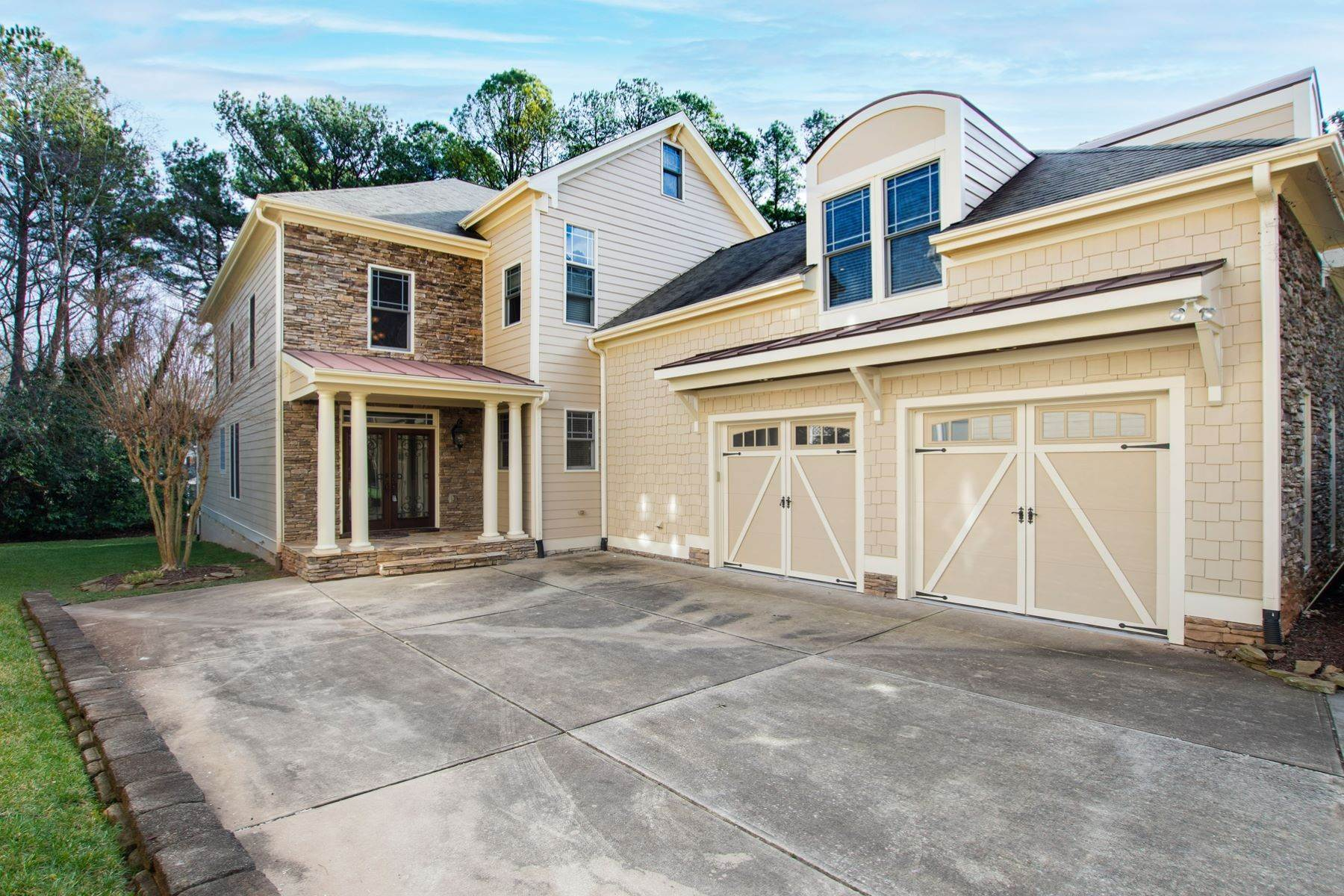 49. Single Family Homes for Sale at Fabulous Move-In Ready in North Raleigh 5730 Belmont Valley Court Raleigh, North Carolina 27612 United States