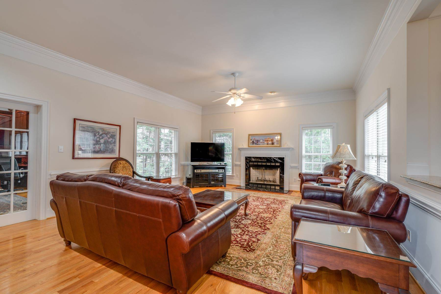 20. Single Family Homes for Sale at 106 Michelin Place Cary, North Carolina 27511 United States