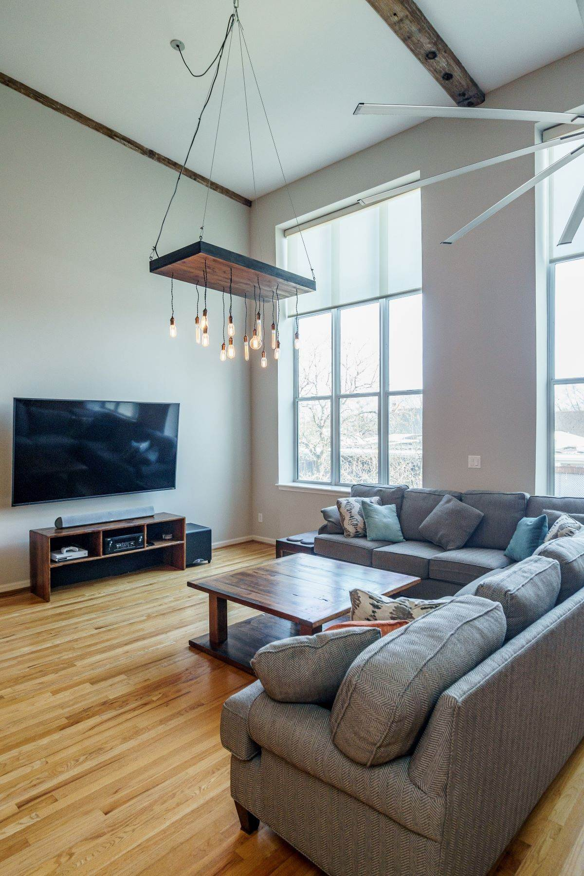 9. Single Family Homes for Sale at Large Industrial Loft in The Cotton Mill 614 Capital Boulevard Unit 225 Raleigh, North Carolina 27603 United States
