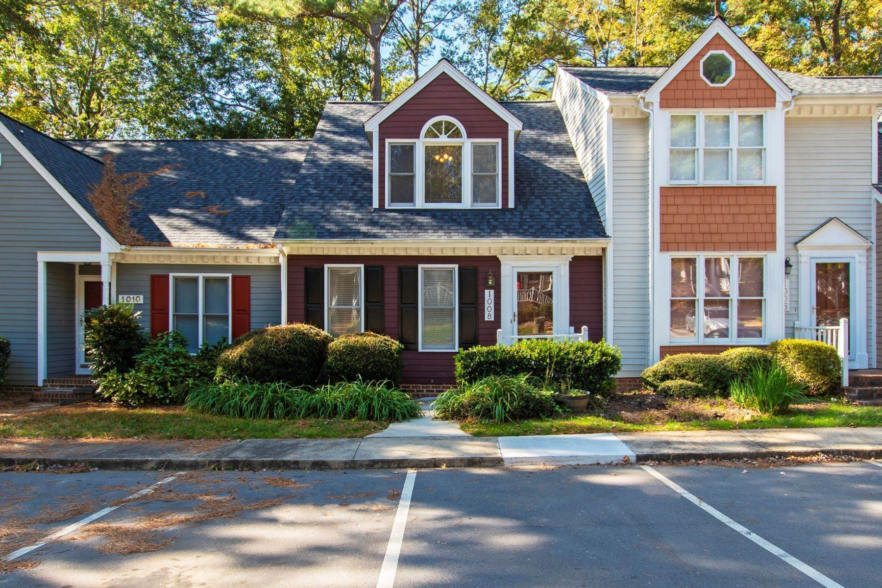 Single Family Homes for Sale at Lakeview Townhome 1008 High Lake Court Raleigh, North Carolina 27606 United States