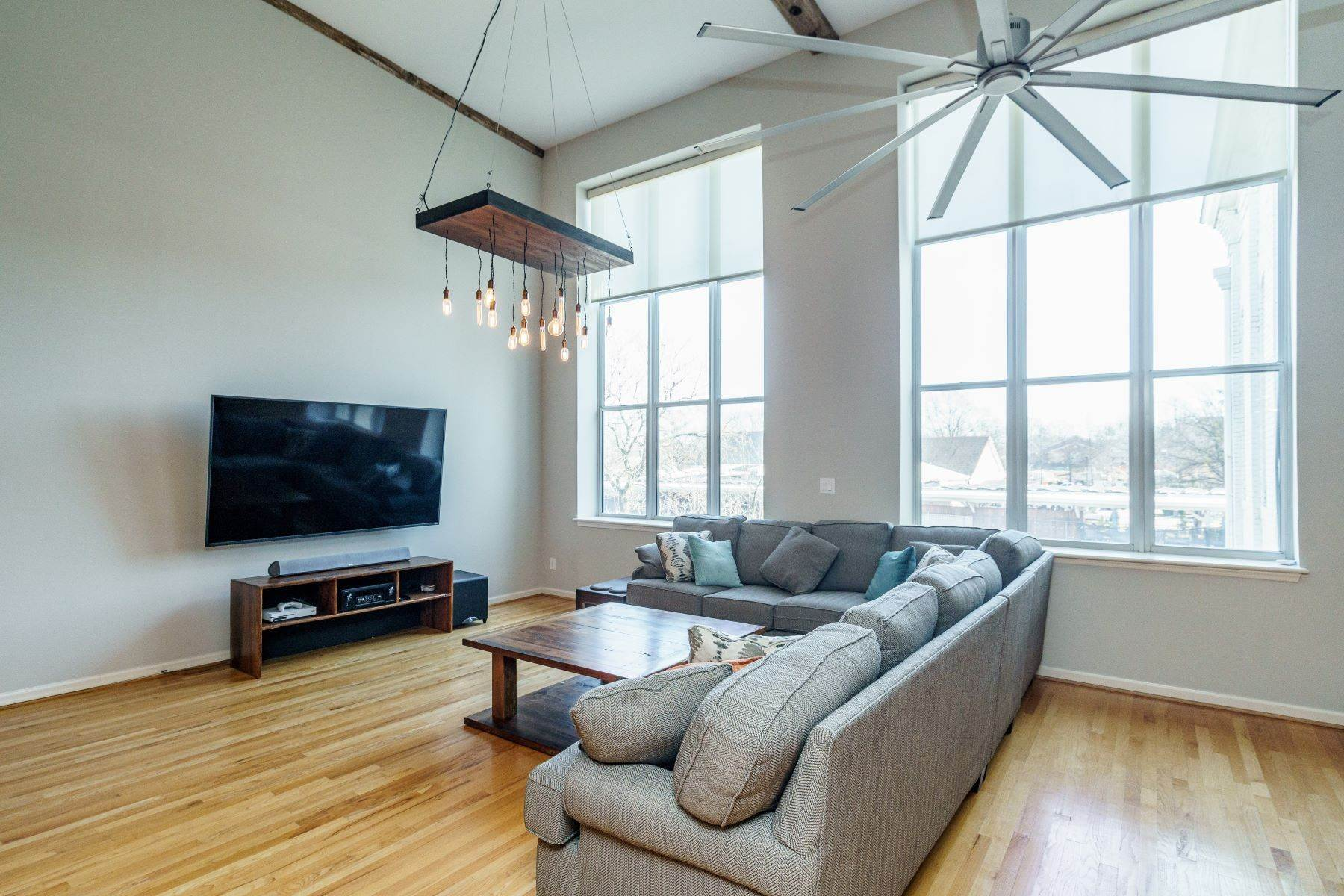8. Single Family Homes for Sale at Large Industrial Loft in The Cotton Mill 614 Capital Boulevard Unit 225 Raleigh, North Carolina 27603 United States