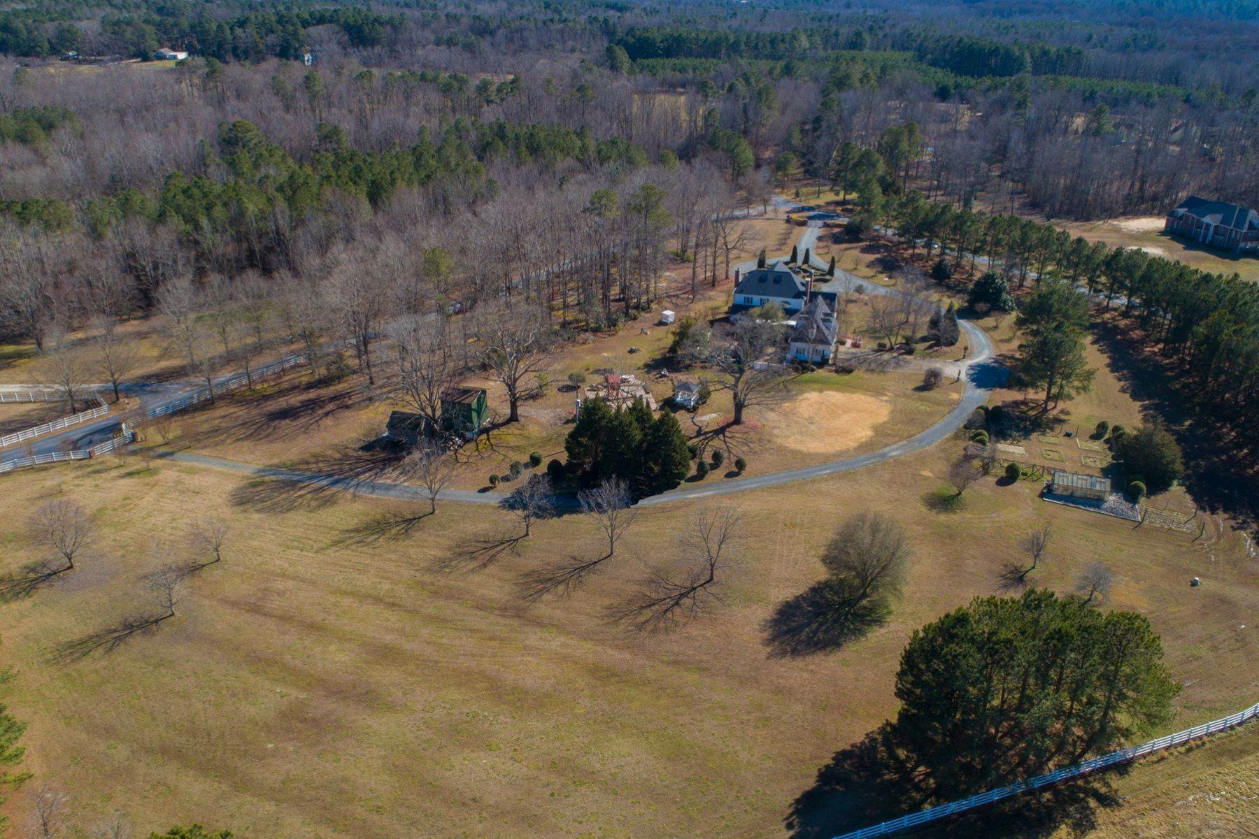 43. Single Family Homes for Sale at New Hope Estate 6325 Old Mill Farm Drive Wendell, North Carolina 27591 United States