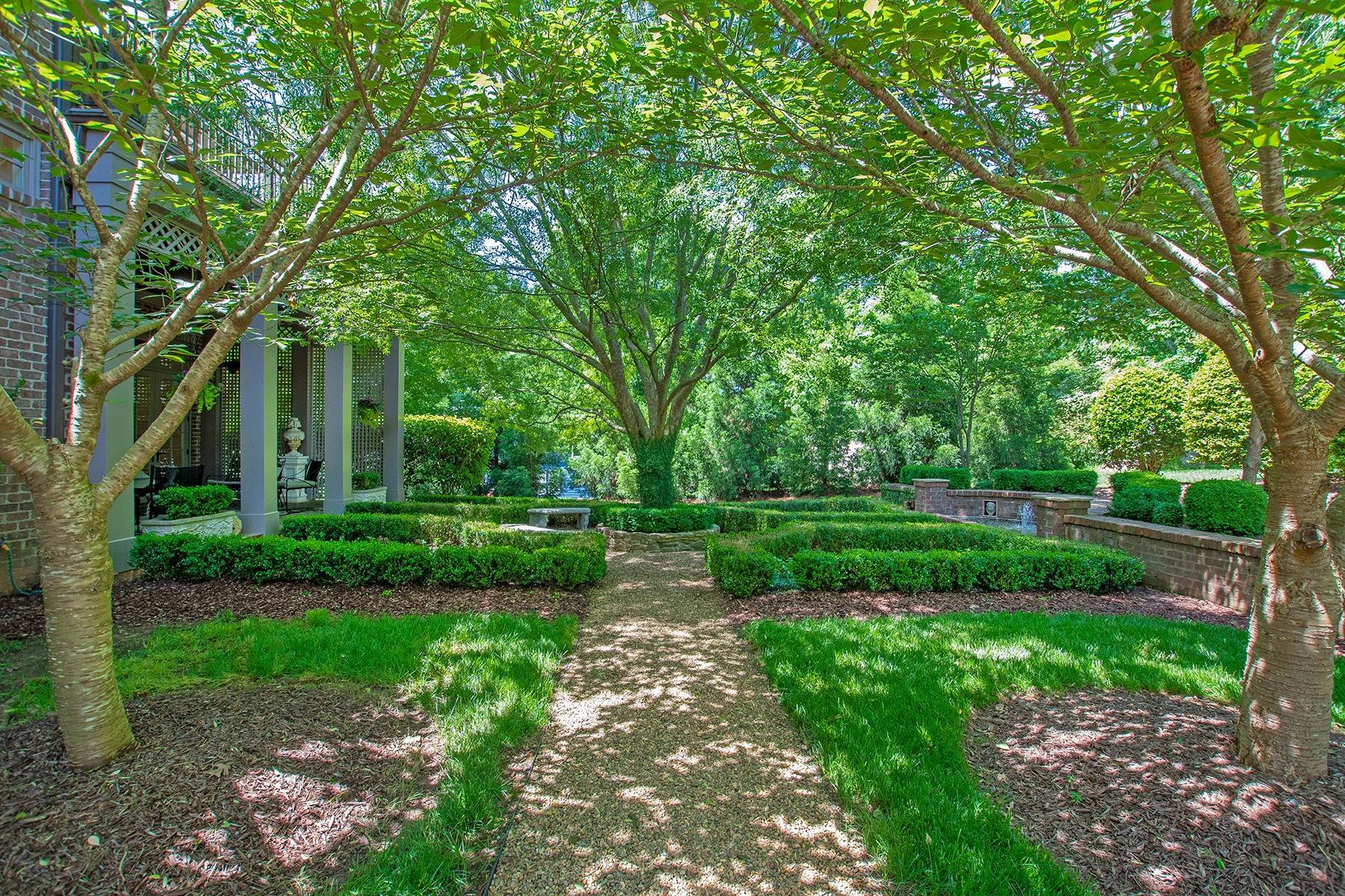 22. Single Family Homes for Sale at 1016 Heydon Court Raleigh, North Carolina 27614 United States