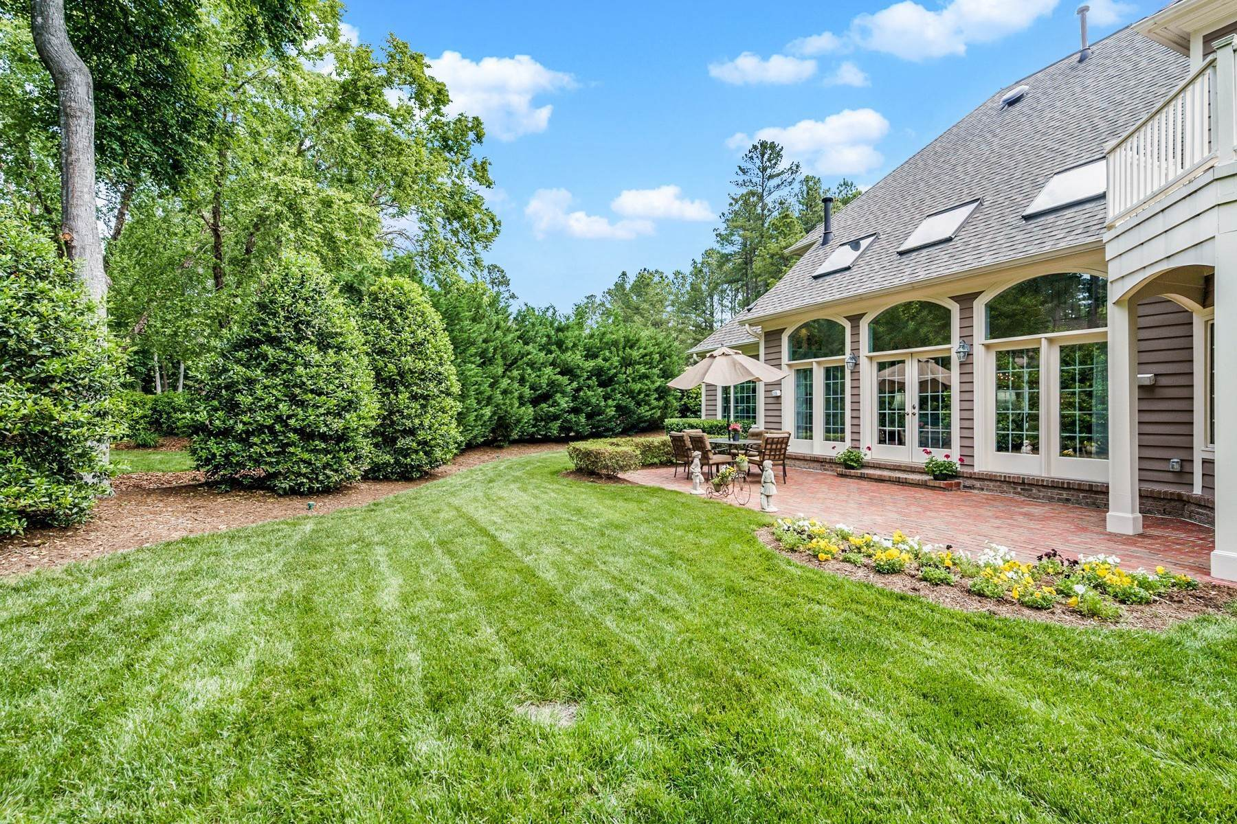 36. Single Family Homes for Sale at Welcoming Haven in Governors Club 79003 Hawkins Chapel Hill, North Carolina 27517 United States