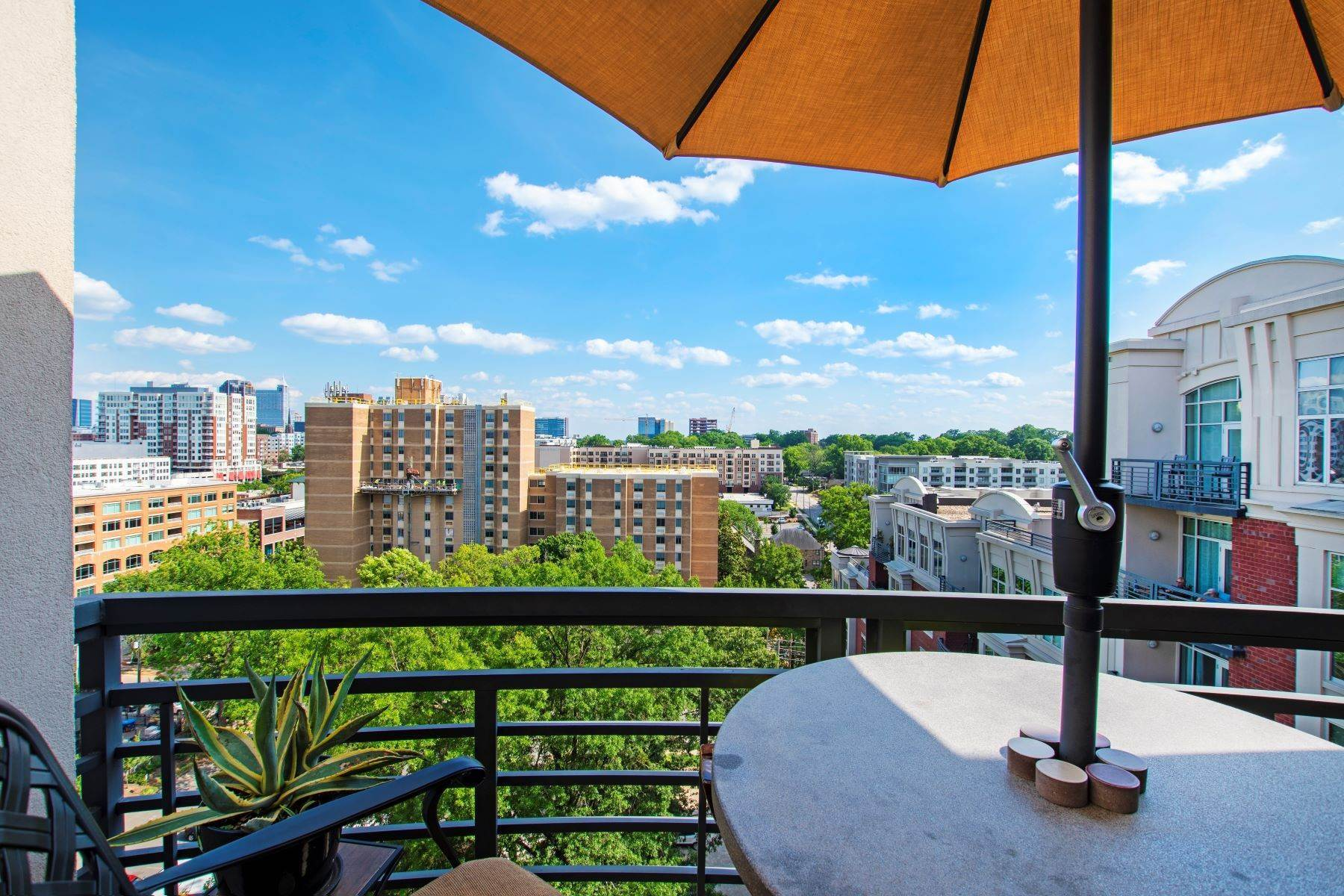 31. Condominiums for Sale at Rare Paramount Penthouse 618 N Boylan Avenue, Unit 1020 Raleigh, North Carolina 27603 United States