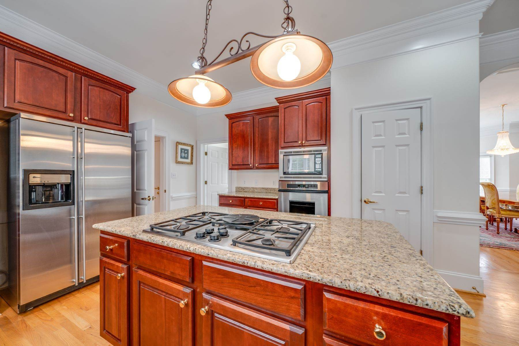 14. Single Family Homes for Sale at 106 Michelin Place Cary, North Carolina 27511 United States